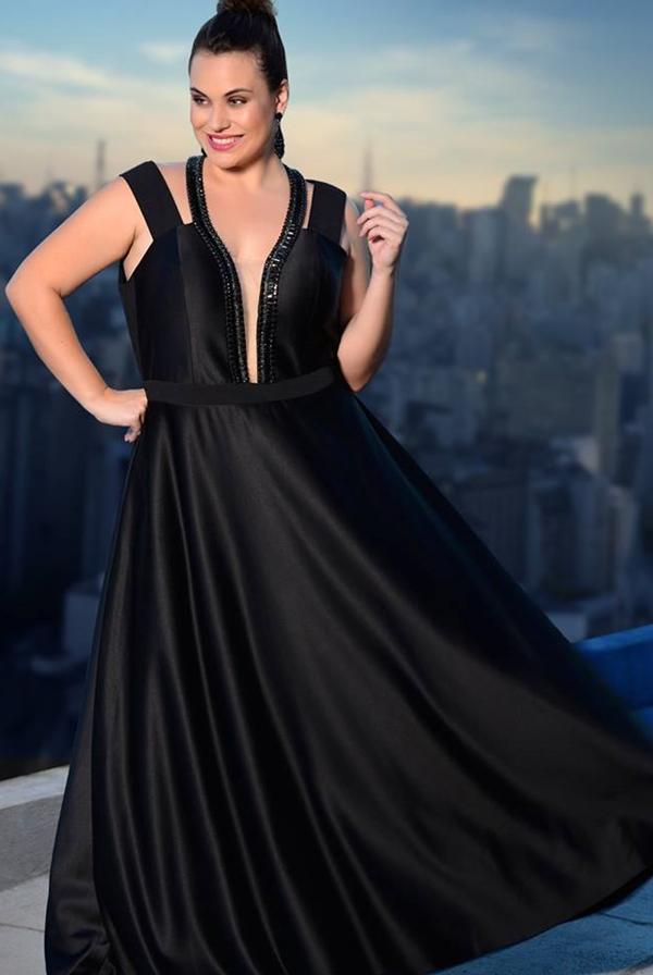 vestido de festa preto plus size