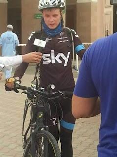 Lewati 6.600 km, pemuda asal rusia ini berhaji dengan sepeda