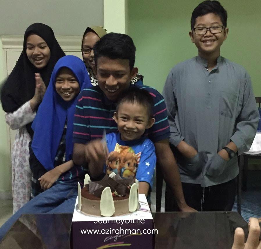 sambut birthday anak ; kek birthday ; kek coklat