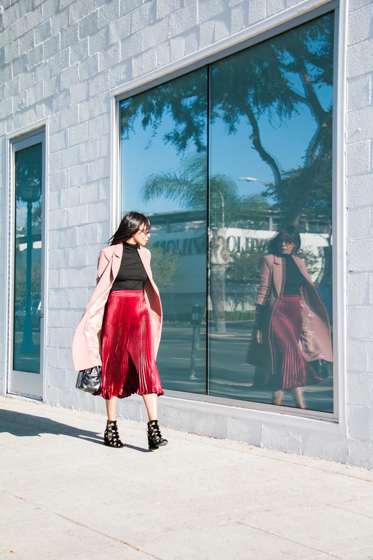 Forever 21, coats, pink coats, velevt booties, fashion blogger, top fashion blogger, best fashion blogger