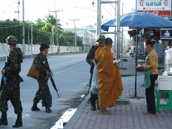 Jemaah Islamiyah muslim extremists militants kills buddhists in Thailand