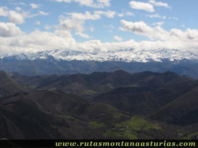Picos de Europa desde Pico Moru, Parres