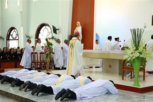 Lễ Phong Chức Linh mục và Phó tế tại Đan viện Xitô Thánh Mẫu Châu Thủy