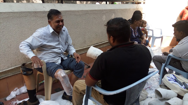 Karnataka Marwari Samaj organized free 'Measurement camp for footless'.