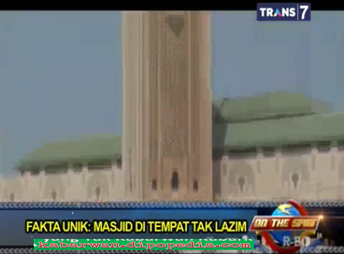 Melalui video di bawah ini, Kabarwan Mengajak Anda Untuk Mengagumi Fakta Unik Masjid Ditempat Tak Lazim.
