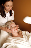 beauty therapist esthetician facials