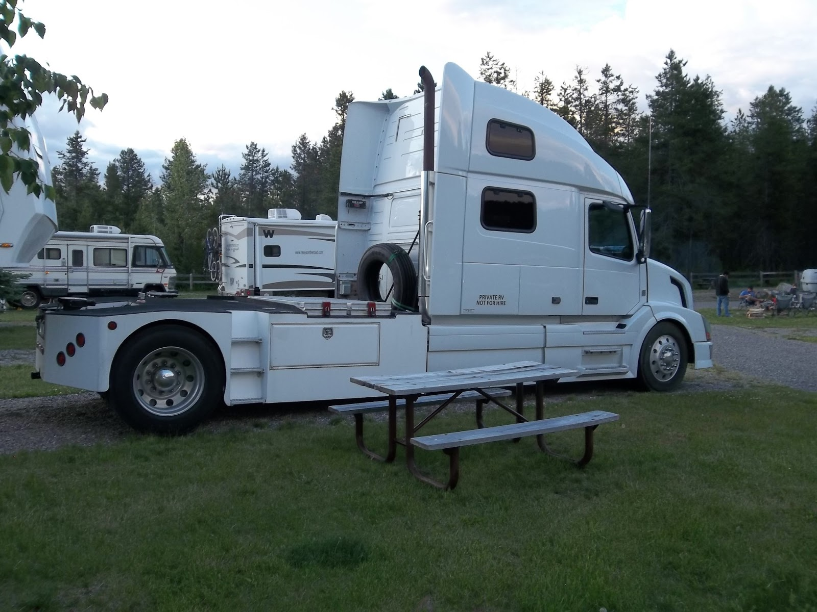 heavy duty trucks hdt towing rvs for sale autos post. Black Bedroom Furniture Sets. Home Design Ideas