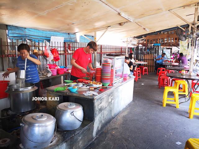 Kampung Baru Pandan Laksa @ Sam Shing Miao Temple in Johor Bahru