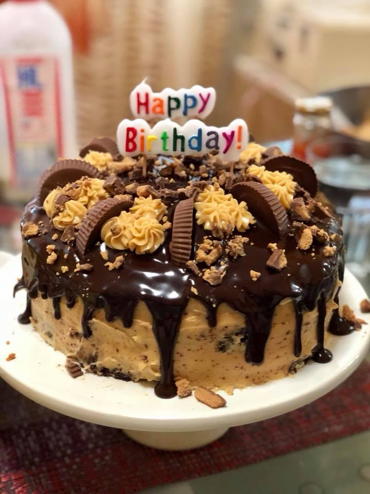 Brilliant Peanut Butter Chocolate Reeses Birthday Cake Kocina De Pinay In Funny Birthday Cards Online Fluifree Goldxyz
