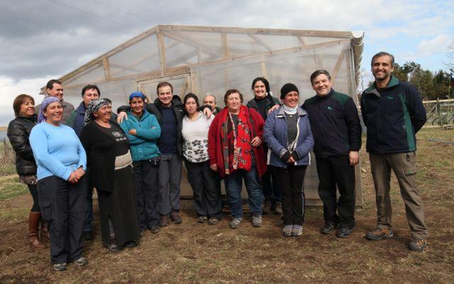 Firman convenio con vivero mapuche en Río Bueno