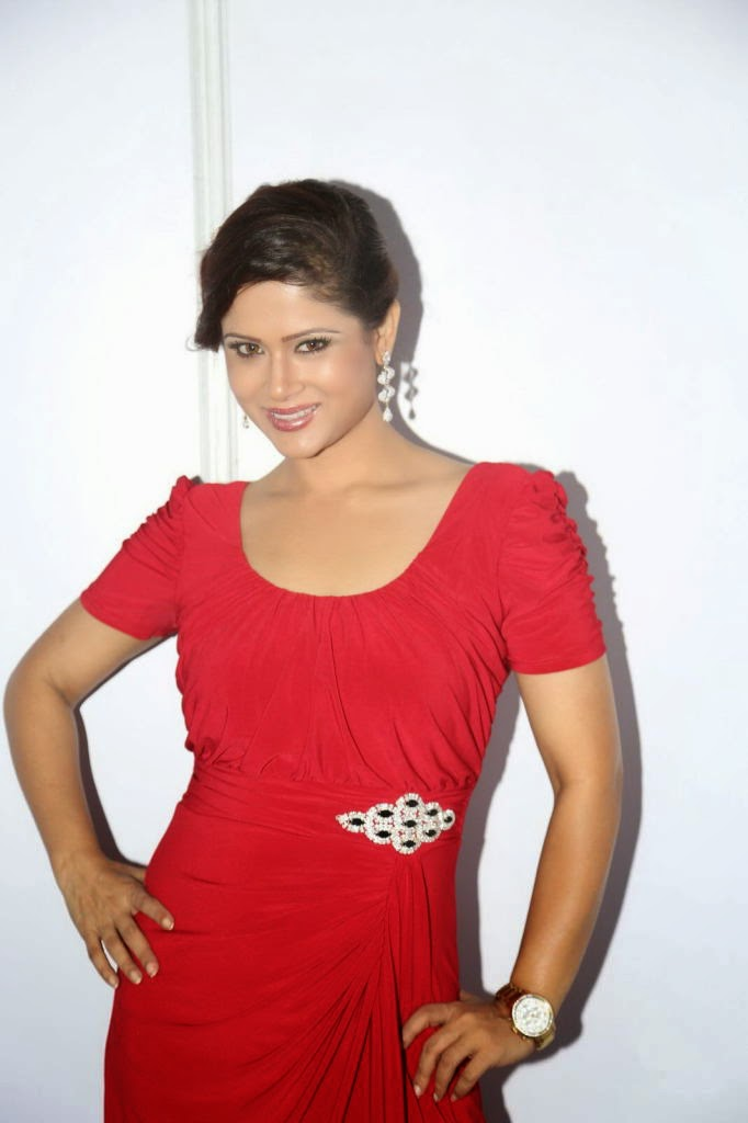 bealutiful Shilpa chakravarthy photos in red dress