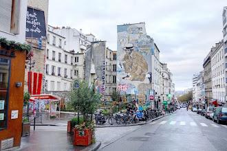 Paris : Rendez-vous à l'angle des rues de Belleville et Julien Lacroix, fresque de Jean Le Gac, place Fréhel - XXème