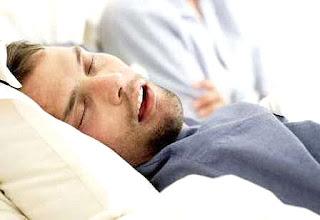 Tidur ngorok pemicu bibir kering