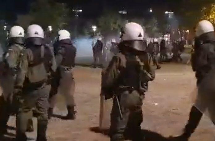Μπήκε εισαγγελέας για τα που ΜΑΤ αποκαλούν τους διαδηλωτές Βούλγαρους – Βίντεο σοκ