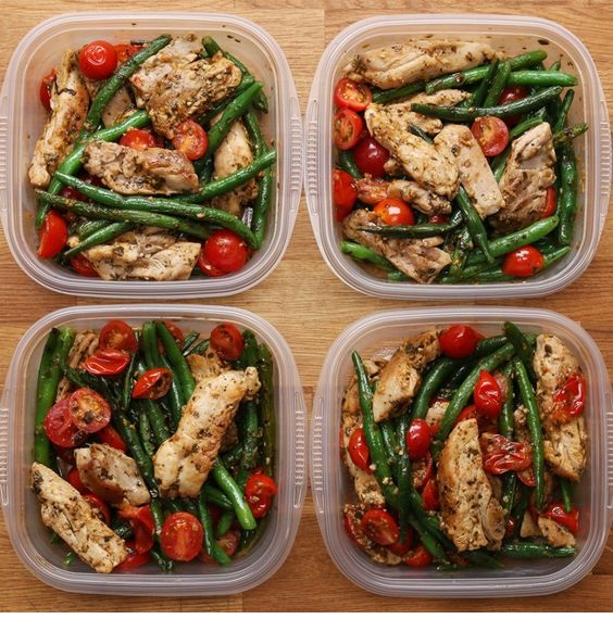 Weekday Meal-Prep Pesto Chicken & Veggies
