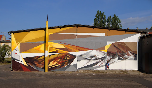 "Bartek ""Pener"" Świątecki just sent us some images from his latest piece entitled ""Shockwave"" which was just completed on the streets of Olsztyn in Poland."