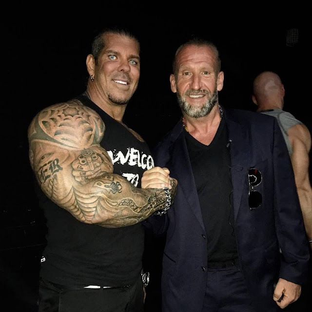 Dorian Yates in 2017 next to 300-pound bodybuilder Rich Piana