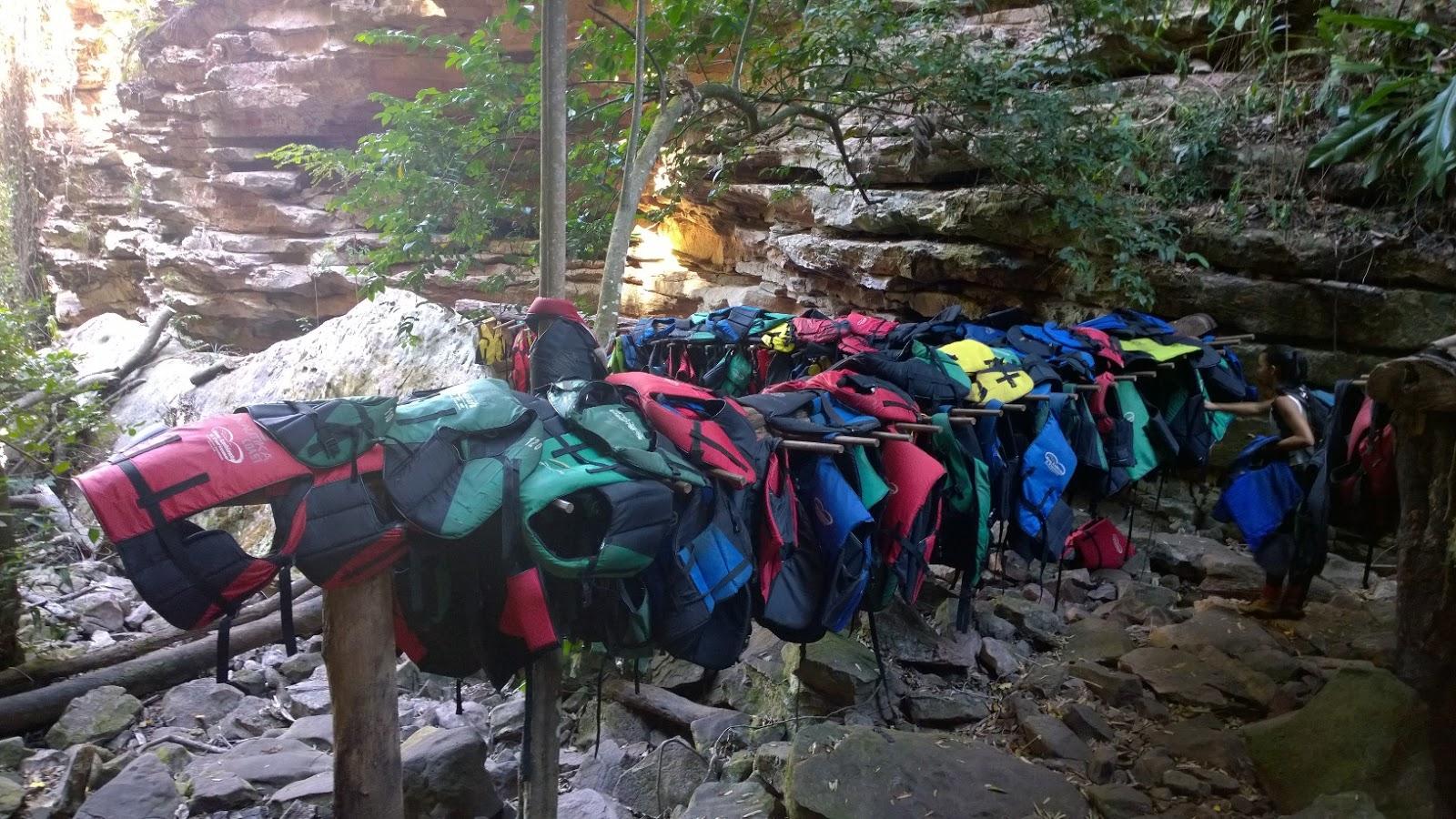 Coletes para entrar na Cachoeira do Buracão