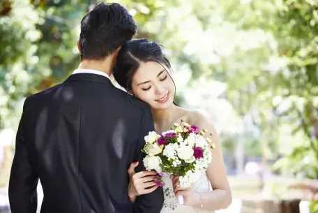 Suami Pulang Kerja Saat Subuh dan Langsung Mandi, Istrinya Curiga Ternyata Suaminya?