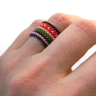 купить украшения из бисера яркие кольца с узором необычное кольцо