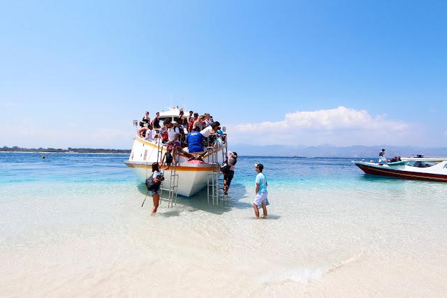 Bajando del fastboat en Gili Trawangan