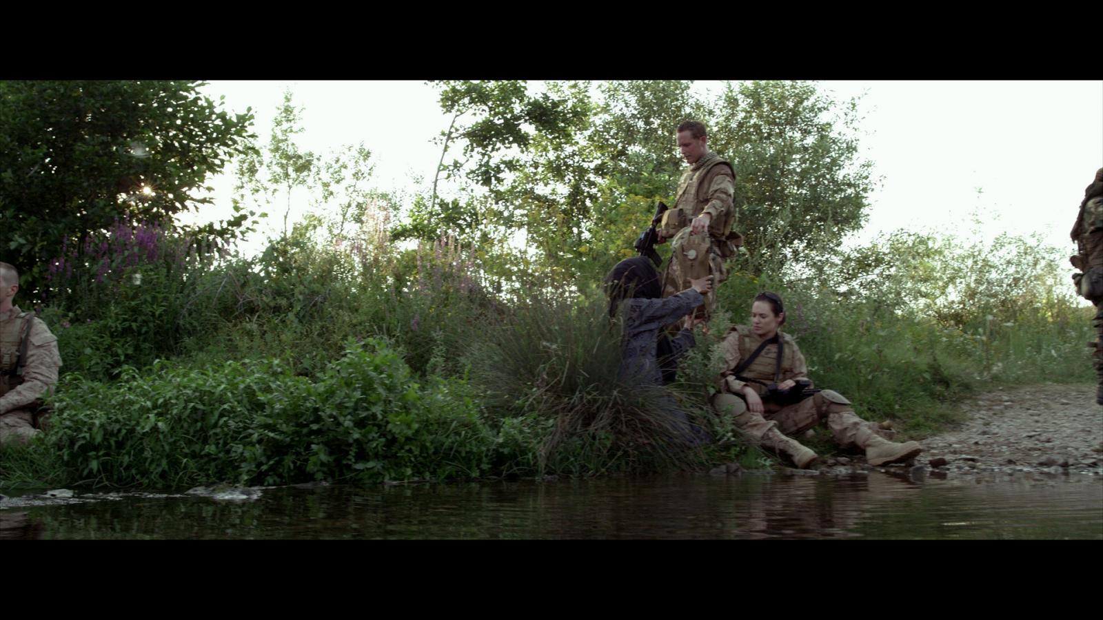 Soldado Anonimo 2 Terreno Peligroso (2014) 1080p BD25 2