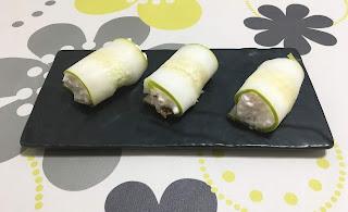 Canelones de pepino con queso, pavo y nueces