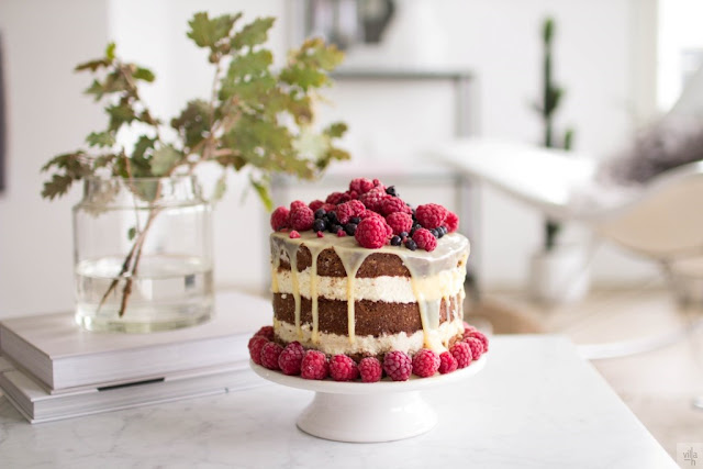 naked cake, bakery, leivonta, valkosuklaa kakku