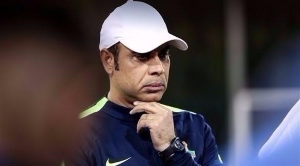 المدرب الإماراتي مهدي علي يستقيل من تدريب شباب الأهلي