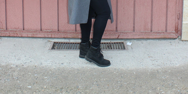 grey coat, timberland boots, fashion blogger