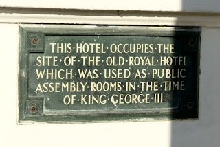 Plaque on the Royal Hotel,    Weymouth seafront