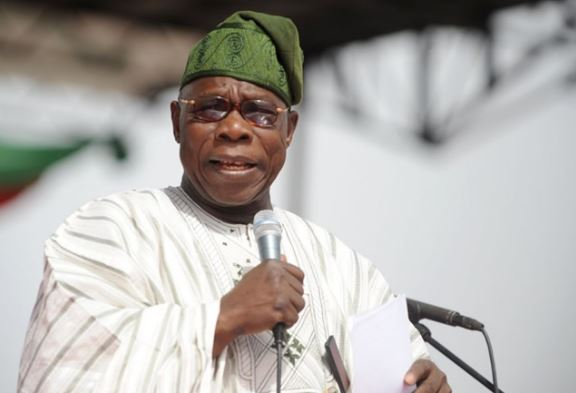 Shehu Shagari: Obasanjo visits ex-President's family, reveals why he shouldn't be mourned