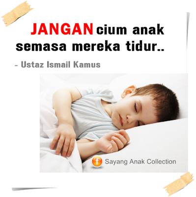 Boleh atau tidak cium anak waktu mereka tidur
