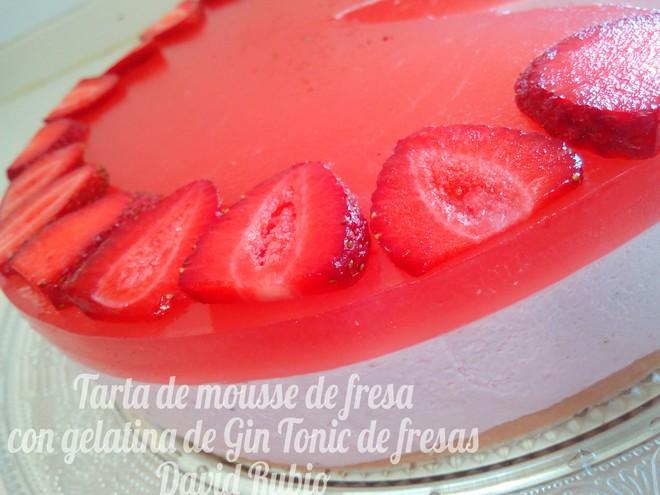 Tarta de mousse de fresa con gelatina de gin tonic de - Mousse de fresa ...