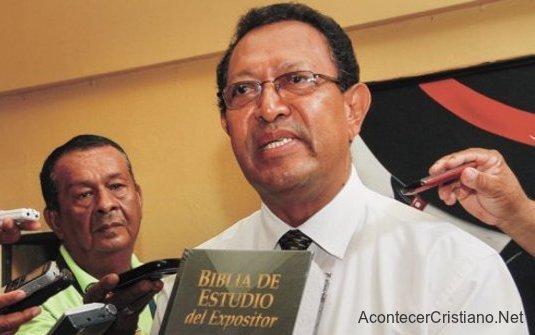 Pastor Saturnino Cerrato candidato a la presidencia