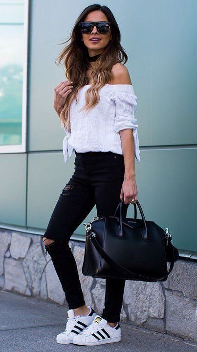 black and white ootd: top + rips + bag + sneakers