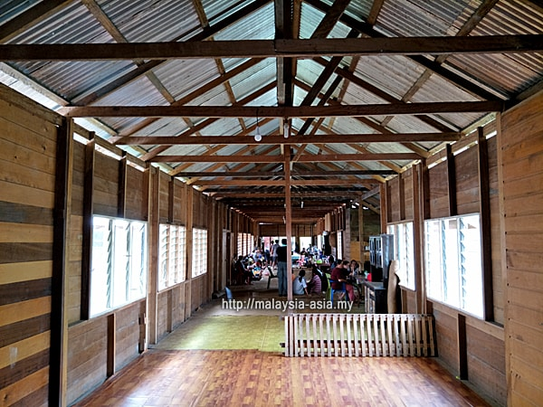 Lun Bawang Longhouse Photo