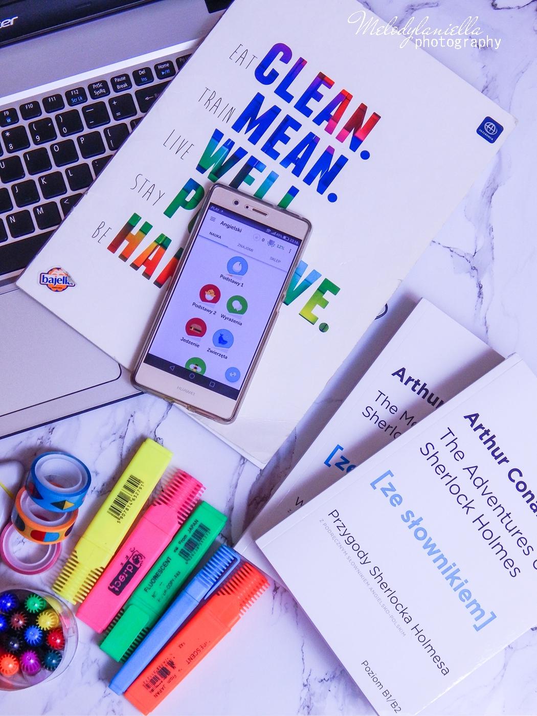 17 trzy sposoby na szybszą naukę języka angielskiego jak efektywnie uczyć się języków aplikacje do nauki angielskiego do nauki języków obcych duolingo książki ze słownikiem sherlock holmes