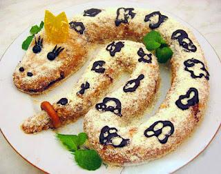 """змея, блюда на год Змеи, выпечка, торты фигурные, рецепты на год Змеи, декор, тортов, оформление блюд, оформление блюд на год Змеи, торты """"Змея"""", десерты змея,ТОРТ ЗМЕЯ РЕЦЕПТЫ http://eda.parafraz.space/"""