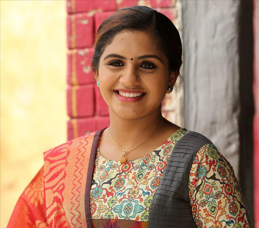 Glamorous Indian Model Noorin Shereef In Blue Dress