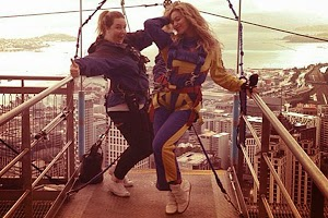 Beyonce decided to jump with a parachute
