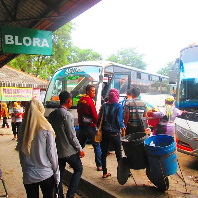 Bus ke Blora