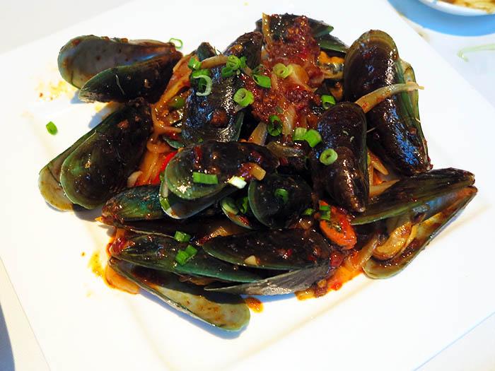 叁岜青贻贝 / Sambal Mussels