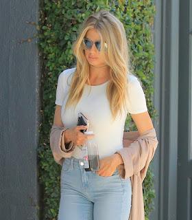 Charlotte McKinney wearing light jeans 4.jpg