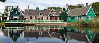 Pour votre voyage Arnhem, comparez et trouvez un hôtel au meilleur prix.  Le Comparateur d'hôtel regroupe tous les hotels Arnhem et vous présente une vue synthétique de l'ensemble des chambres d'hotels disponibles. Pensez à utiliser les filtres disponibles pour la recherche de votre hébergement séjour Arnhem sur Comparateur d'hôtel, cela vous permettra de connaitre instantanément la catégorie et les services de l'hôtel (internet, piscine, air conditionné, restaurant...)