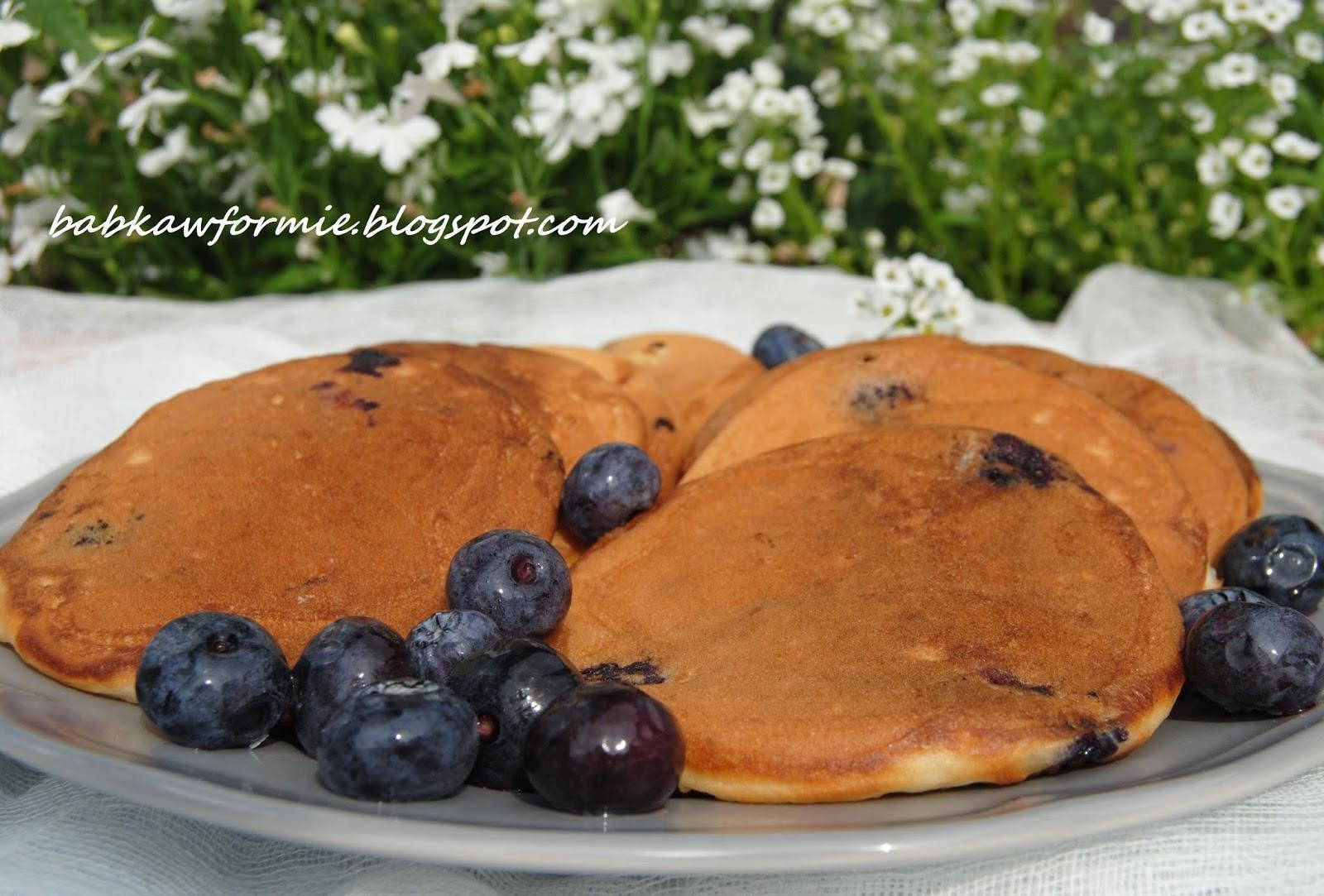 placuszki jogurtowe pancakes z borówkami babkawformie.blogspot.com