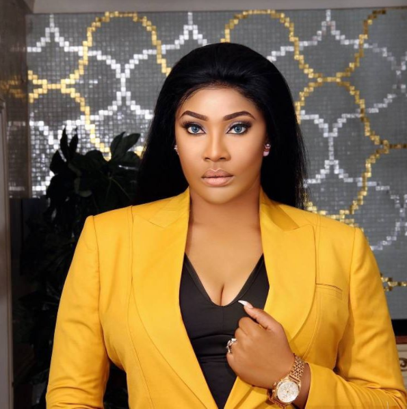 Angela Okorie Streams Her Wild Confrontation With Police - watch here