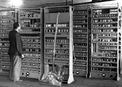 Hasil gambar untuk komputer generasi pertama Sejarah Lengkap Mengenai Komputer Generasi Pertama Beserta Ciri-Cirinya