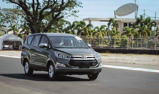 all new kijang innova diesel venturer interior performa dan handling toyota 2016 v mt bensin vs q at