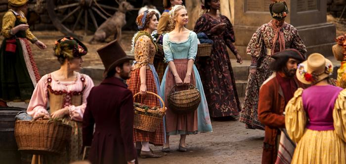 Lily James în filmul Cinderella